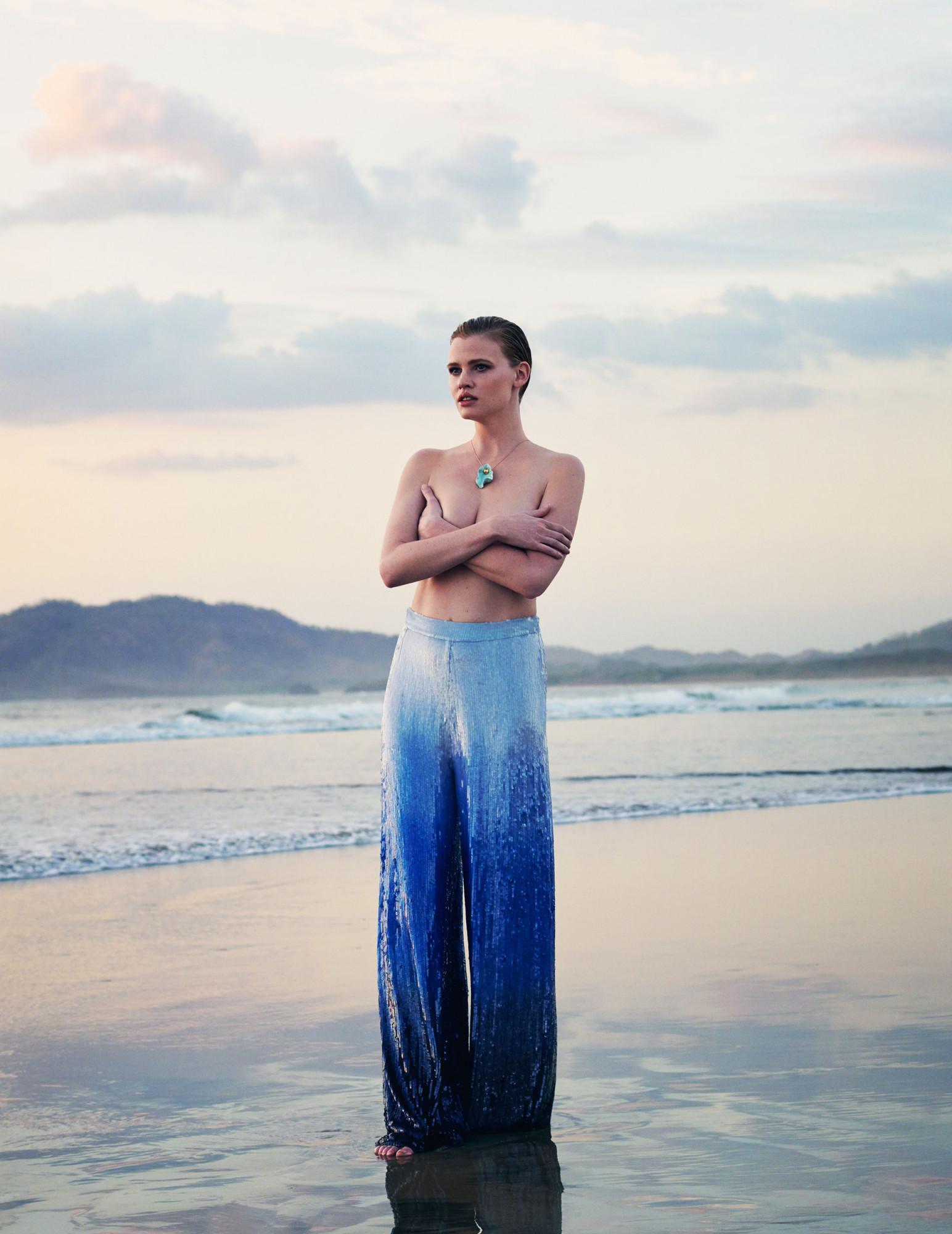 Bjorn Iooss Vogue Spain - Lara Stone